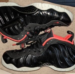 Foamposite Yeezy size 9 like dead stock. Worn once